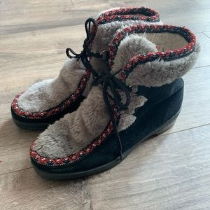 Vintage 1970's Yodelers Winter Boots